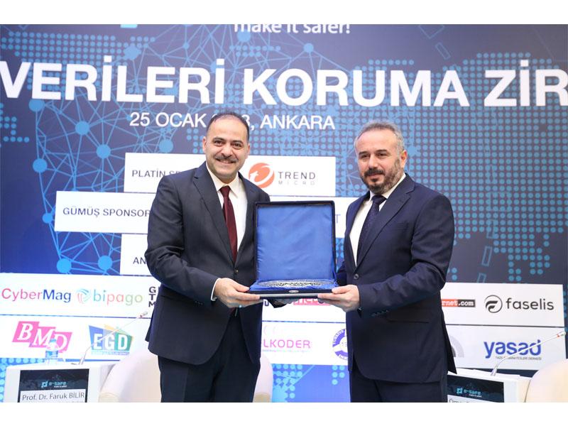 BTK Başkanı Fatih Sayan ve e-Safe Başkanı Musa Savaş